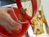 Premiera. Carnea artificiala, scoasa in lume. Unde se va servi primul hamburger de 250.000 dolari
