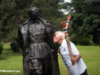In timp ce ultimul rege iugoslav era ingropat la Belgrad, nostalgicii comunisti plangeau dupa Tito