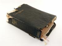 Ce a descoperit o femeie ascuns intr-o Biblie cumparata la mana a doua