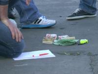Tineri prinsi de politie in timp ce incercau sa cumpere tigari de contrabanda cu 20.000 de euro falsi