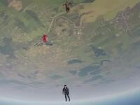 Spectacol la inaltime la Clinceni. Printre invitatii speciali se numara un american care a sarit fara parasuta de la 4000m