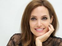 Picioarele Angelinei Jolie, motiv de ingrijorare pentru admiratori. Fanii cred ca actrita a slabit enorm de mult