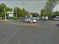 SIMULARE GRAFICA. Cum s-a rupt in doua un tramvai, in centrul Bucurestiului. Calatorii au scapat, miraculos, nevatamati