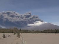Vulcanul chilian Calbuco a erupt pentru a treia oara in ultima saptamana. Populatia, evacuata pe o raza de 20 de km