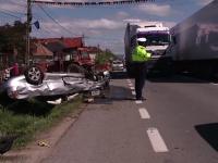 Accident grav provocat de un sofer care a vrut sa depaseasca o coloana de masini. Sotia barbatului a murit pe loc