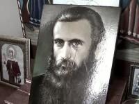 Lacrimile de pe icoana parintelui Arsenie Boca au disparut. Ce spune reprezentantul Episcopiei Husilor despre