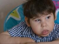 In ajutorul lui Dominic, baietelul de trei ani care se lupta cu o boala rara