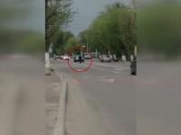 Scene incredibile la Constanta, unde o eleva a fost filmata in timp ce se plimba haotic printre masini. Explicatia medicilor