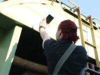 Momentul in care doua tinere s-au eletrocutat in timp ce-si faceau un selfie, FILMAT. Una dintre fete a murit in spital