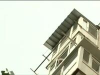 Un barbat a cazut in gol de la etajul 10 al unui bloc din Bucuresti. Primele declaratii ale martorilor