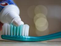 Cum va otraviti zilnic cu pasta de dinti. Substanta chimica periculoasa continuta de produsul de igiena