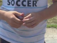 Un copil de 10 ani, din Dambovita, ar fi fost luat de pe strada si violat de trei adolescenti. Politia a inceput o ancheta