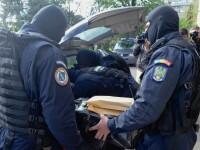 Perchezitii la contrabandistii de tigari aduse din Republica Moldova. 13 persoane, ridicate pentru audieri