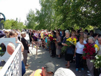 Cantareata Ana Barbu a fost inmormantata in Moldova. Sute de oameni au condus-o pe ultimul drum