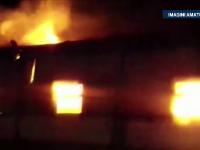 Incendiu puternic in hala unei fabrici de textile din Bistrita. Pompierii s-au luptat cu flacarile mai bine de o ora