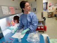 Descoperirea care revolutioneaza medicina. Milioane de femei cu cancer mamar ar putea fi salvate cu ajutorul unui medicament