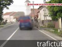 Soferul unei dube a izbit in plin o caruta pe un drum din Hunedoara. Ce au surprins camerele de la bordul unei masini
