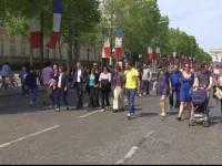 Reactia francezilor dupa ce s-a interzis, pentru o zi, circulatia masinilor pe cel mai faimos bulevard din Paris