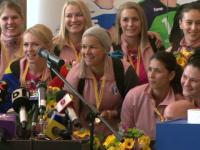 Jucatoarele CSM Bucuresti, intampinate de fani pe aeroport si felicitate de Iohannis. Cati bani au primit de la EHF