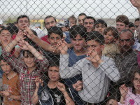 Copii sirieni, violati intr-o tabara de refugiati din Turcia. Ce au spus Merkel si Tusk dupa ce au vizitat regiunea