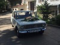 Primarul Chisinaului s-a casatorit cu jurnalista Anisoara Loghin, de la PRO TV Chisinau. Masina cu care a venit edilul