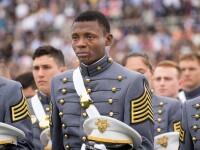 Moment emotionant la Academia Militara a SUA. Motivul pentru care acest cadet a izbucnit in lacrimi la absolvire