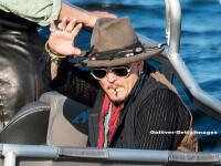 Scandal intre Johnny Depp si fosti manageri. Actorul e acuzat ca ar spune replicile in filme datorita unui dispozitiv audio