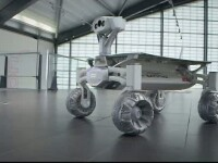 Un vehicul care va ajunge pe Luna anul viitor va aparea pentru prima data intr-un film science fiction