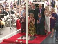 Goldie Hawn si Kurt Russell au primit fiecare cate o stea pe Walk of Fame. Cine i-a mai insotit pe cei doi actori