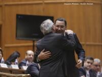 Victor Ponta: Klaus Iohannis ne-a dus cu fofarlica, a mintit cand a spus ca MCV nu este ridicat din cauza Parlamentului
