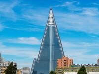 Imagini in premiera de la cel mai ciudat hotel din Coreea de Nord: in forma de piramida cu 105 etaje. Cum sunt peretii. VIDEO