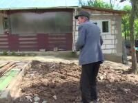 O femeie din Dambovita a ajuns de urgenta la spital, dupa ce zidul unei bucatarii s-a prabusit peste ea