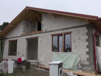 Ajutor nesperat primit de o familie din Satu Mare care a ramas fara casa dupa incendiu.