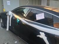 Mașinile parcate neregulamentar de la malul mării, acoperite cu hârtie igienică de nemulțumiți