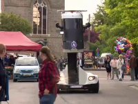Mașina de poliție în care șoferul are vedere de 360 de grade