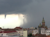 Rupere de nori în mai multe zone. În Vest, pe cer a apărut un fuior asemănător unei tornade