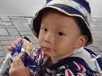 Un copil de 4 ani din China a murit sufocat, după ce a fost uitat într-o dubă