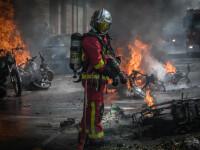 """Pompierii """"eroi"""" care s-au luptat cu flăcările de la Notre-Dame, acuzați de viol"""