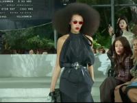 Louis Vuitton şi-a prezentat cea mai nouă colecţie într-un loc excentric