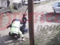 Conflict extrem de violent între poliţişti şi un bărbat dintr-un sat din Vaslui. VIDEO