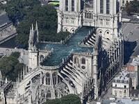 Piscină pe acoperișul Catedralei Notre Dame. Reacția francezilor. GALERIE FOTO