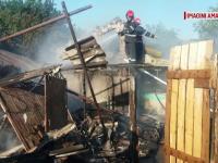 Gospodărie din Olt, făcută scrum de incendiul provocat de o țigară aprinsă