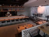 Ce reguli vor trebui respectate după redeschiderea restaurantelor. Clienții vor merge doar pe benzi cu sens unic
