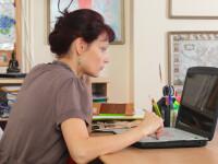 Sindicatele din Educație cer ca profesorii să primească bani pentru laptopuri ca să își facă orele online