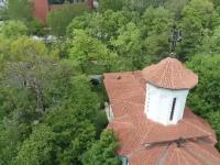Bisericile rămân închise și după ridicarea stării de urgență. Cum s-ar putea desfăşura slujbele