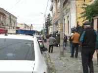 Coadă de sute de metri la o casă de ajutor reciproc din Brăila