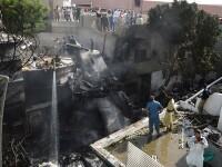 Un avion cu aproape 100 de oameni la bord s-a prăbușit într-o zonă rezidențială din Pakistan