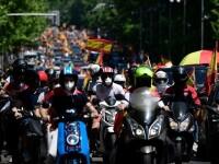 Mii de spanioli au participat la un protest auto. Ce îi reproșează premierului. GALERIE FOTO