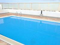 Un copil de 3 ani a murit după ce a căzut într-o piscină, în timpul unei petreceri. Ce făceau părinții lui