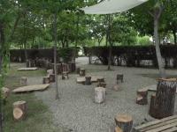 Săli de clasă, cu bănci pentru ore în aer liber, în trei parcuri din Buzău